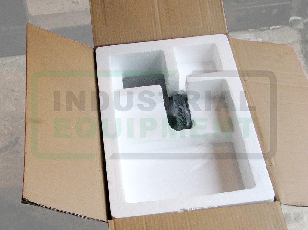 Пример упаковки сварочного трактора - пенопласт 2й ярус